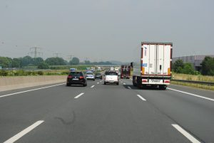 highway-397333_960_720-300x201